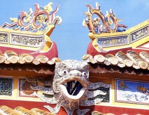 18 Wietnam Hue Świątynia The To Mieu oraz Ta Vu
